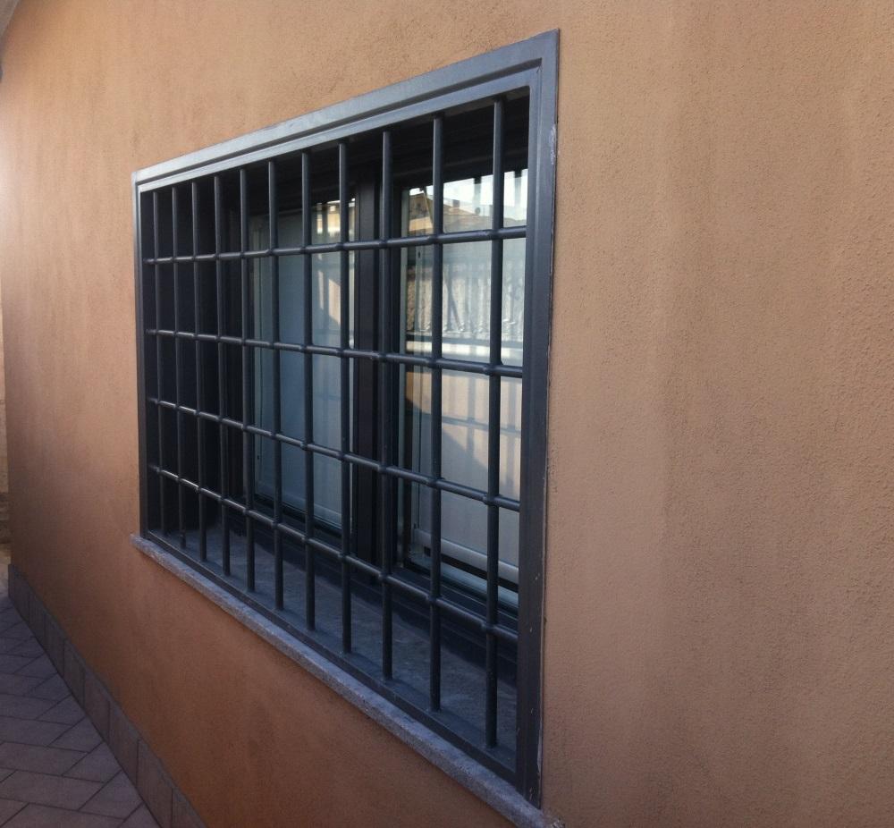 Grate lavori in ferro a roma e nel lazio - Grate finestre prezzi ...