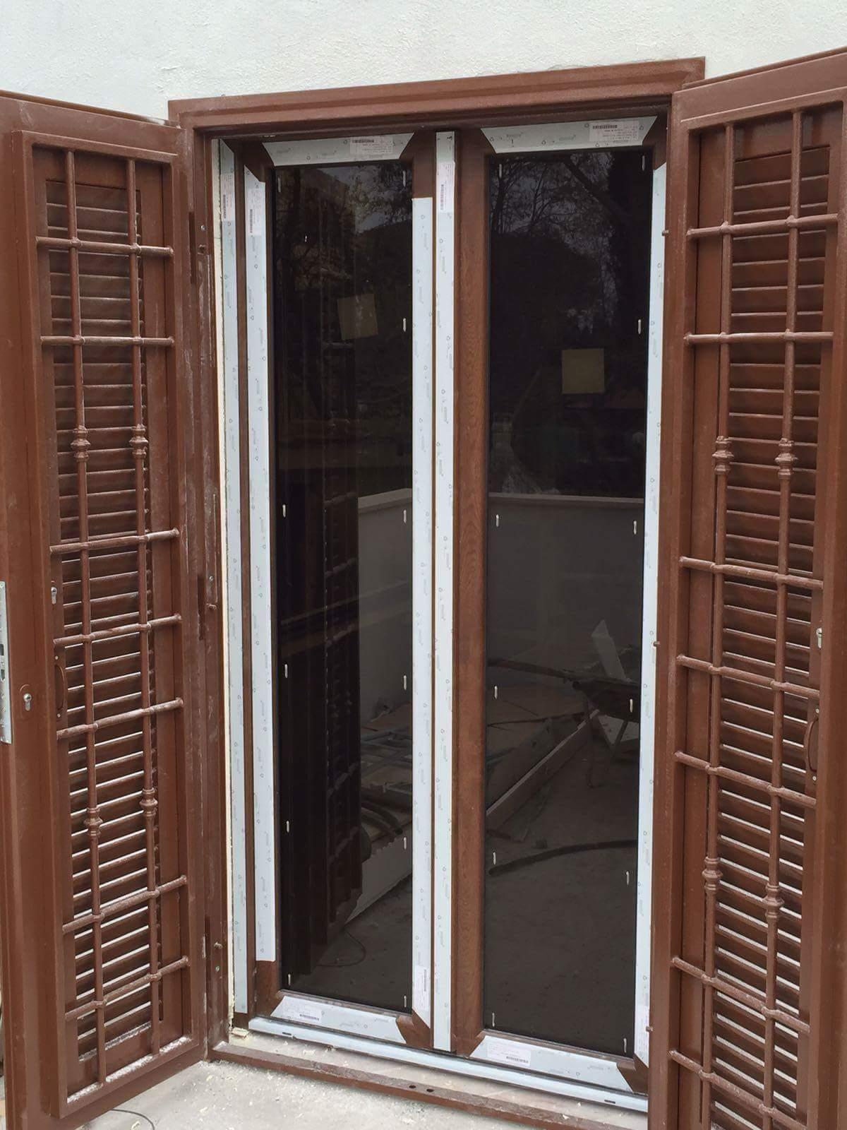 Grate per finestre grate e inferriate per finestre e porte with grate per finestre with grate - Inferriate finestre leroy merlin ...