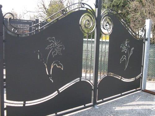 cancello-in-ferro-con-fiori